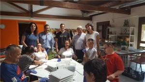 Atades Huesca ayudará en la producción de un pacharán solidario.